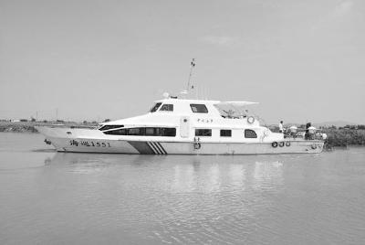 江龙船舶交付4艘钢玻复合执法船