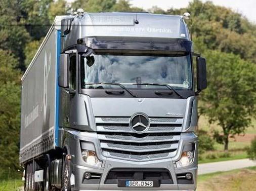 奔驰 道路/梅赛德斯奔驰新一代卡车将亮相欧洲道路运输展(TERTS 2012)