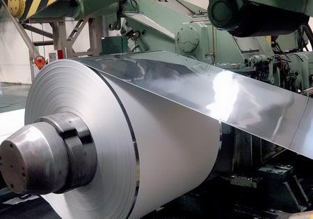 钢铁价格成本双重挤压 钢企利润降至冰点