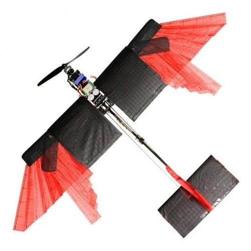 """瑞士研究人员打造出一架具有""""羽毛""""的无人机"""