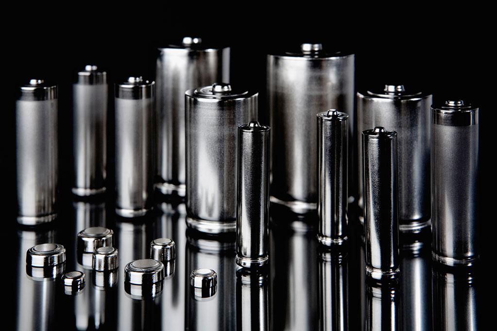 锂电池业绩保持较高增速图片