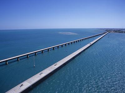 荷兰建造全球首座3D打印桥梁 可承载40辆卡车