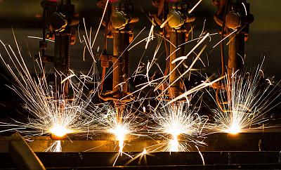 加快提升创新能力 推动制造业与互联网融合发展