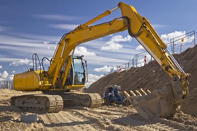 国产挖机正逐渐占据市场主导 液压配件进口替代空间广阔