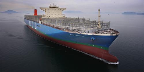 三星重工业建成世界**集装箱船