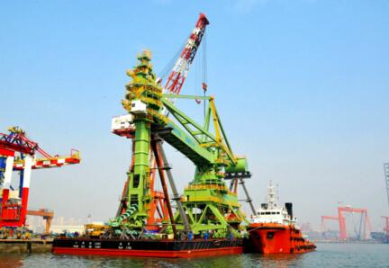 大连重工成功研制国内首台双向连续卸船机