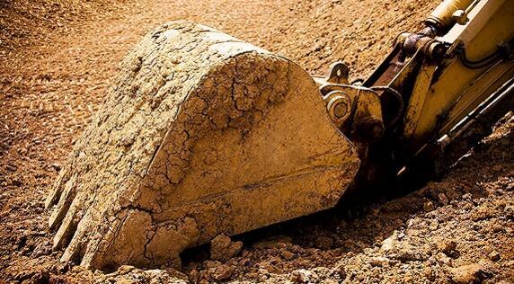 机械龙头挖掘机销量暴涨297% 工程器械行业复苏进行时