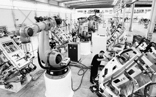 工程机械行业迎恢复性增长 未来需走智造新道路