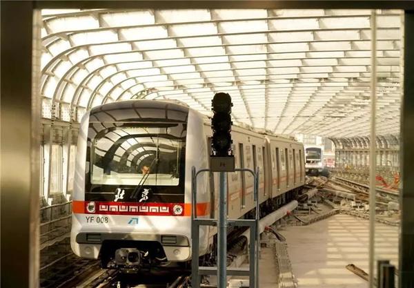 我国内地首批最高等级全自动地铁列车投入运营