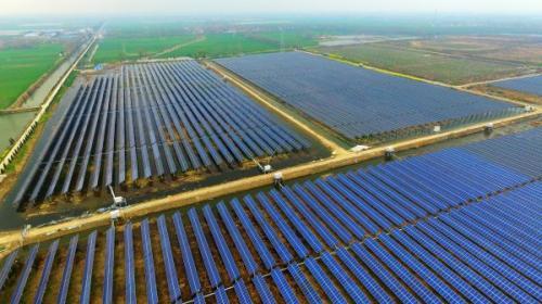 英媒:中国大力发展清洁能源 煤炭等化石燃料缓慢衰落