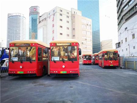 银隆首批纯电动仿古铛铛车在青岛投运 助力青岛绿色交通发展
