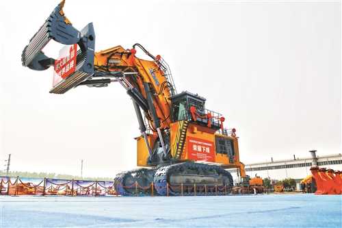 """大国重器""""神州第一挖""""!国内首台套700吨液压挖掘机在徐工正式下线(附图)"""