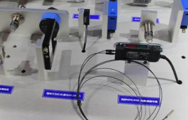 变频器的工作原理 无论是用于家庭还是用于工厂,单相交流电源和三相