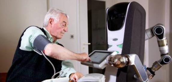 养老陪护服务型机器人并不能替代亲情