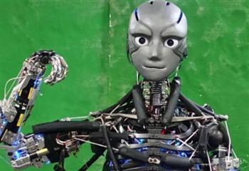 别再踩雷,看机器人行业的自毁式营销策略
