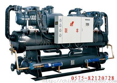 *采用进口高效经济器型半封闭双螺杆压缩机