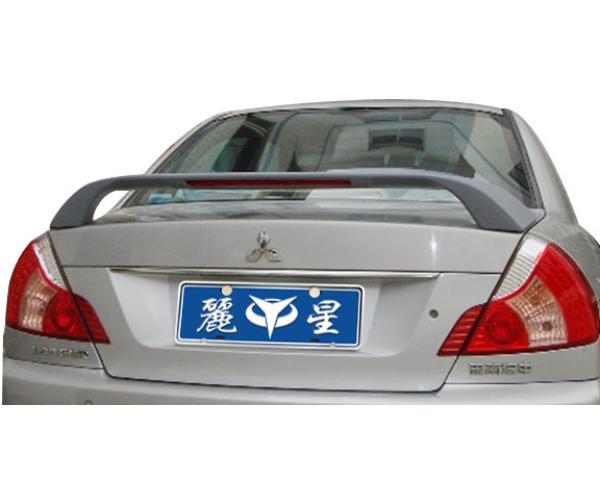 汽车扰流器 尾翼模具高清图片
