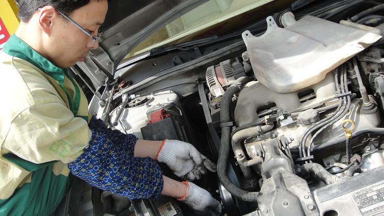 汽车空调加氟 上海汽车空调维修