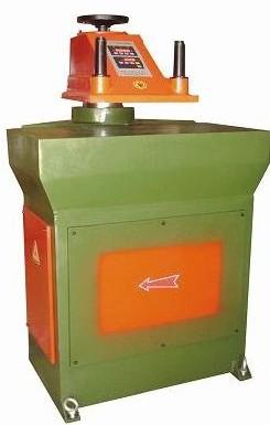 SD626-12/16型摇臂式液压裁断机
