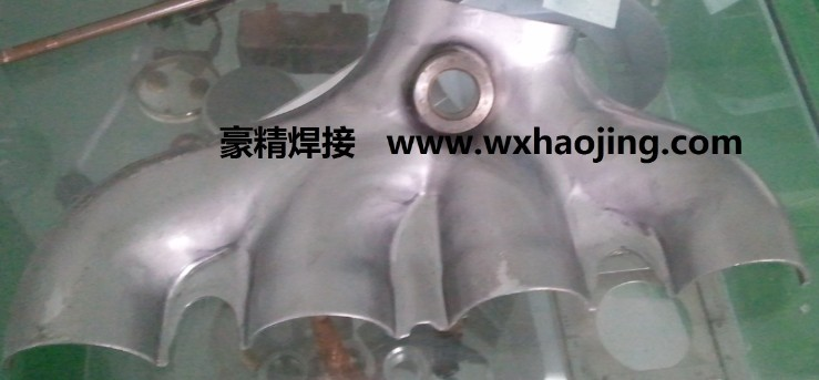 电阻焊机 供应汽车排气管 歧管法兰螺母凸点焊机 橡塑设备网高清图片
