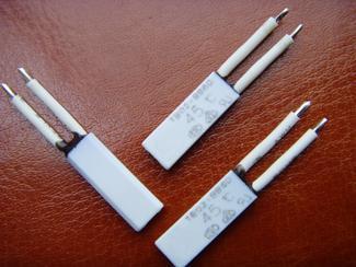 微型热保护器【锂电池专用30度-75度锂电池热保护器】