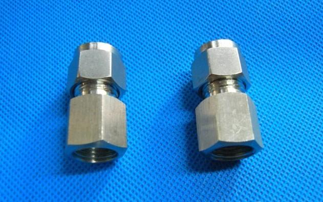 1、全检--在8公斤的压力下经过漏气检测,确保产品稳定。 2、快速安装,简单灵巧,节省空间。 3、形式多样,满足任何气动布管需要。 4、即使安装以后,塑料管体也可任意转向。 5、按钮采用椭圆型设计,拆卸更加省力方便。 6、所有锥管螺纹预涂聚四氟乙烯防漏胶,密封性能好。 7、接头带内六角孔,便于狭窄处安装。 接管注意事项: 1、要确认管子切断面垂直,管子外周无伤痕以及管子未成椭圆形.