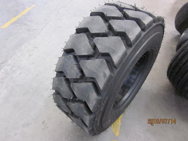 作业车矿山花纹轮胎