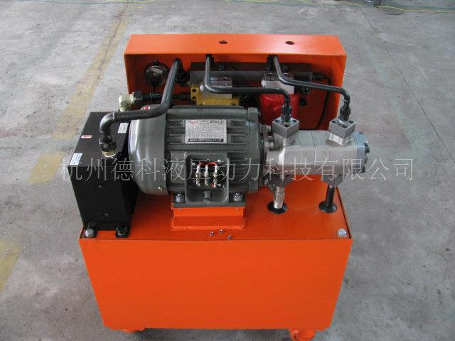 液压系统,液压站,液压泵,马达,油缸,电磁阀图片