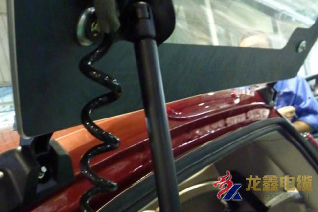 汽车后备箱用弹簧线