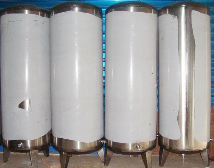 不锈钢水箱常见的有不锈钢消防水箱,方形组合式水箱,立式圆柱形