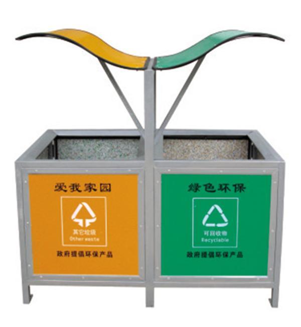 环保果皮箱采用最新的注模技术,特殊的结构设计,一次注模成型,确保坚固耐用,抗热,防冰冻,防腐蚀化学品,抗紫外线,不变形,符合环保要求。环保垃圾桶不同的颜色来区别垃圾桶的分类,简化和促进了垃圾的分类收集。