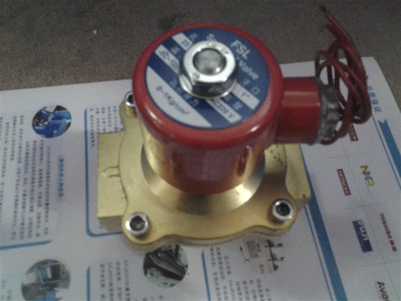 """产品用途: 对煤气,天然气燃烧介质在管路中自动控制。 结构特点: 一次性和二次性开阀相联系的开阀结构,低压力,无压力开启关闭,流量大。采用高性能密封件,元泄露。配方方式最好是水平安装,线圈向上。 结构规格参数: 型 号 通 径 连接方式 L H 材 质 ZCM-3 3 G 1/8"""" 40."""