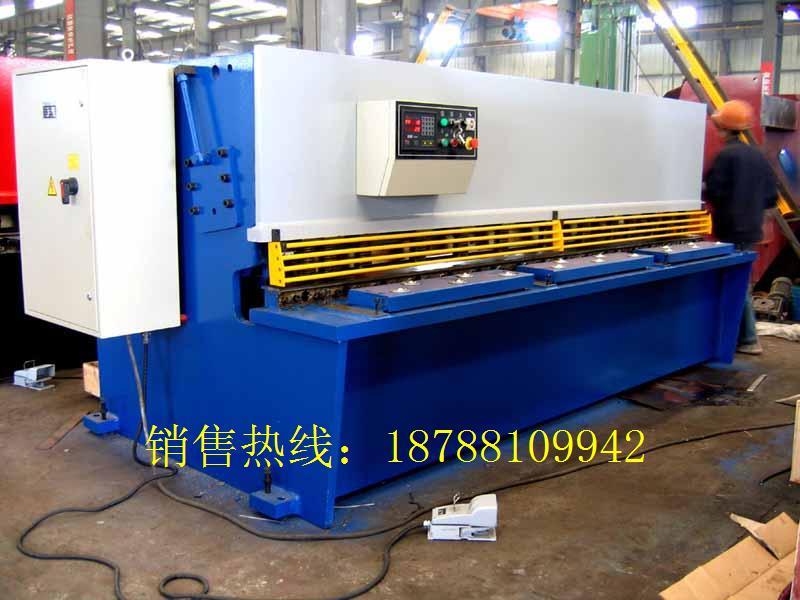 云南昆明液压剪板机QC12K-8X2500价格
