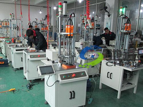电动车充电器自动锁螺丝机-深圳市驰速自动化设备有限