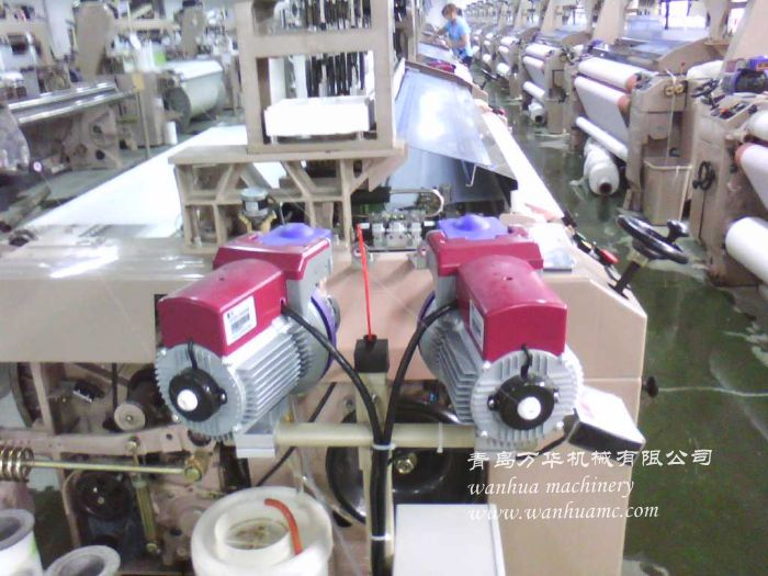 190双喷小龙头喷水织机