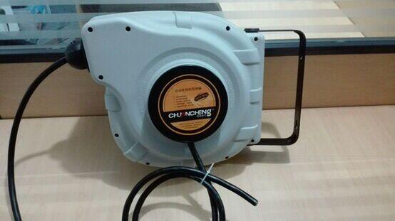 220V国标2芯1.5平方自动回缩电缆卷盘