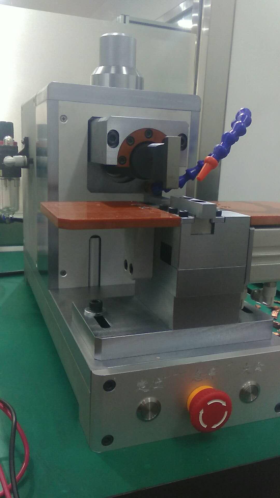 新型动力电池焊接机