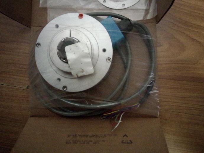 BAUMER光电传感器GI333.G70C323