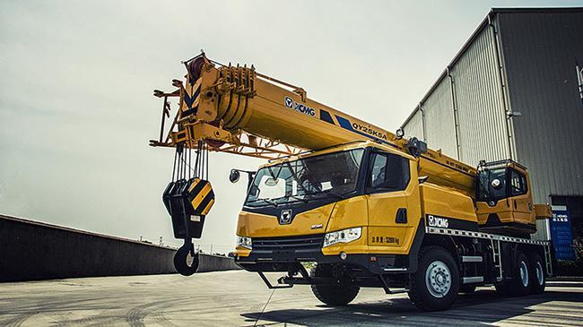 二手20吨或者25吨吊车