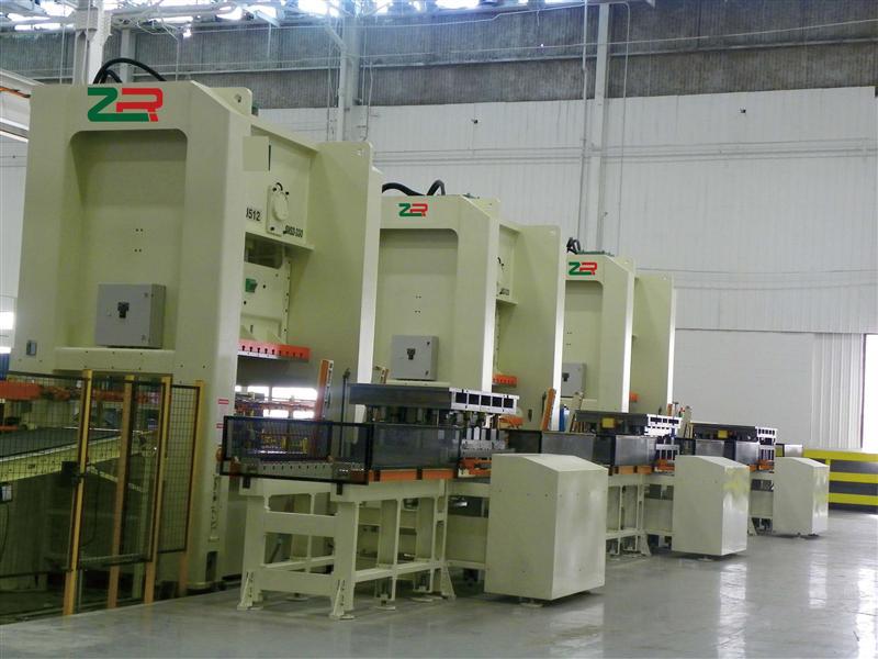 CRB多工位搬送机械手